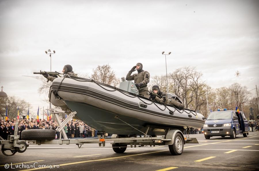 parada-militara-bucuresti_01122012_653-site