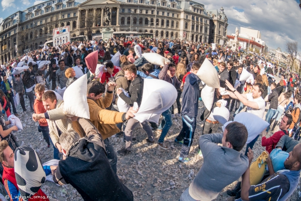 Bataia cu Perne - Pillow Fight - Bucuresti - Romania