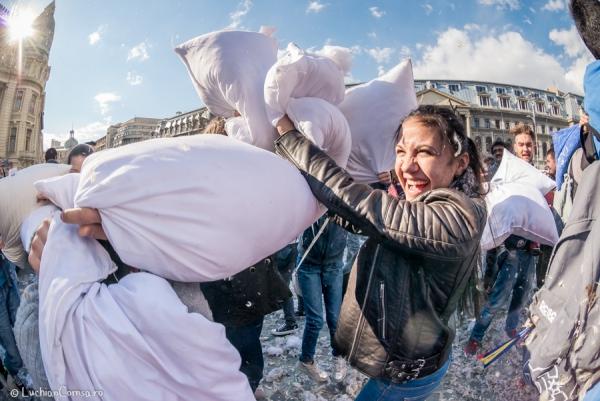 Bataia cu Perne - Pillow Fight - Bucuresti - Romania