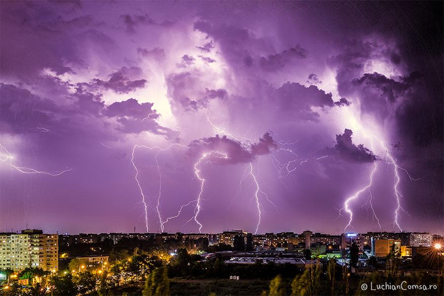 Fulgere peste Bucuresti – 25.06.2013